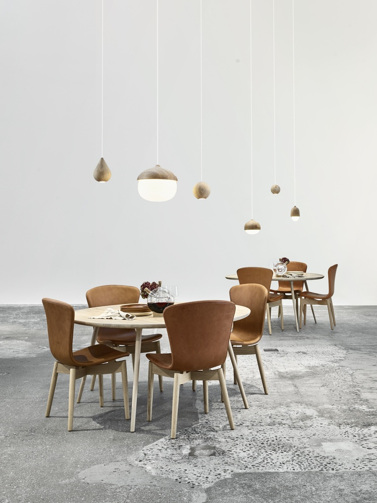 Mater dining setting