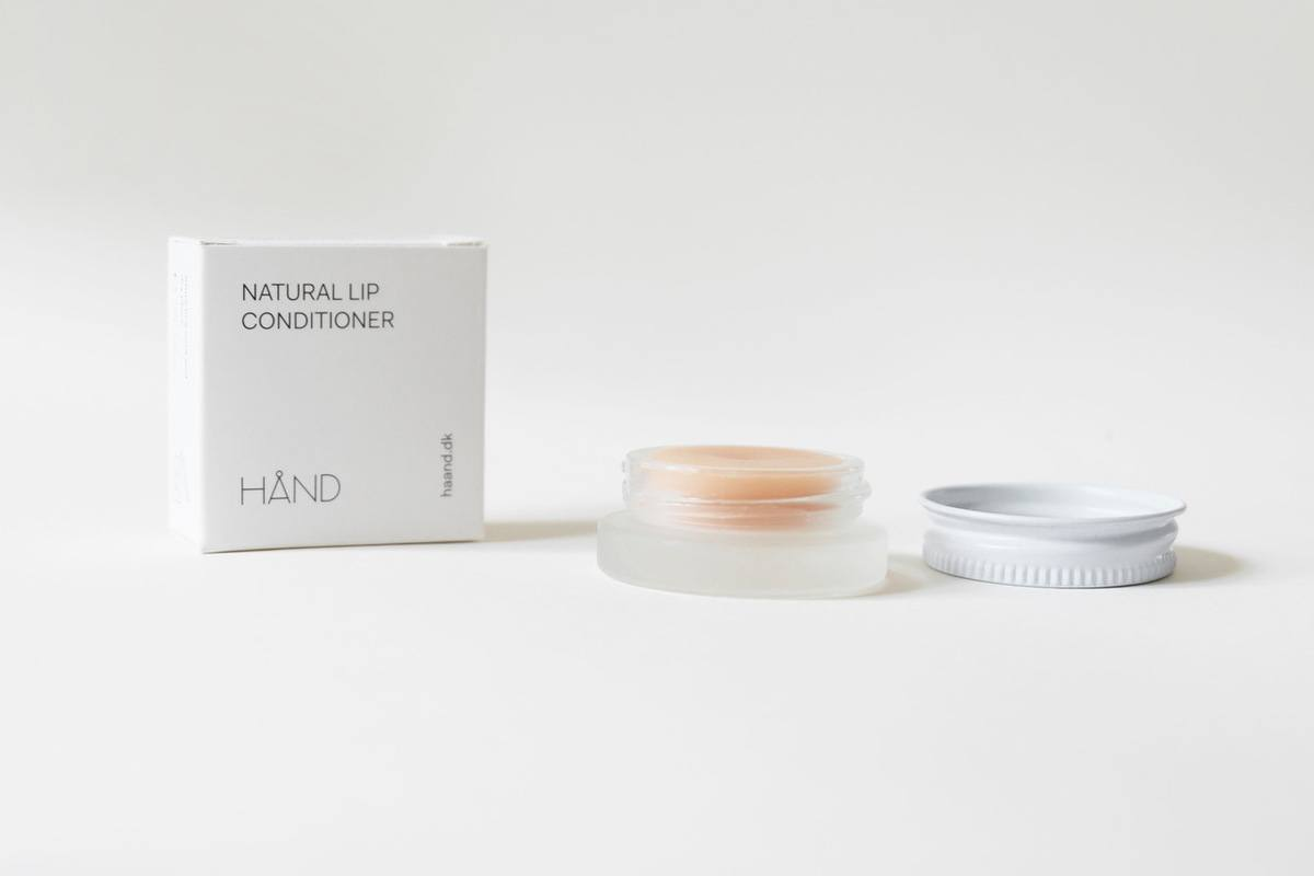 Natural Lip Conditioner hånd